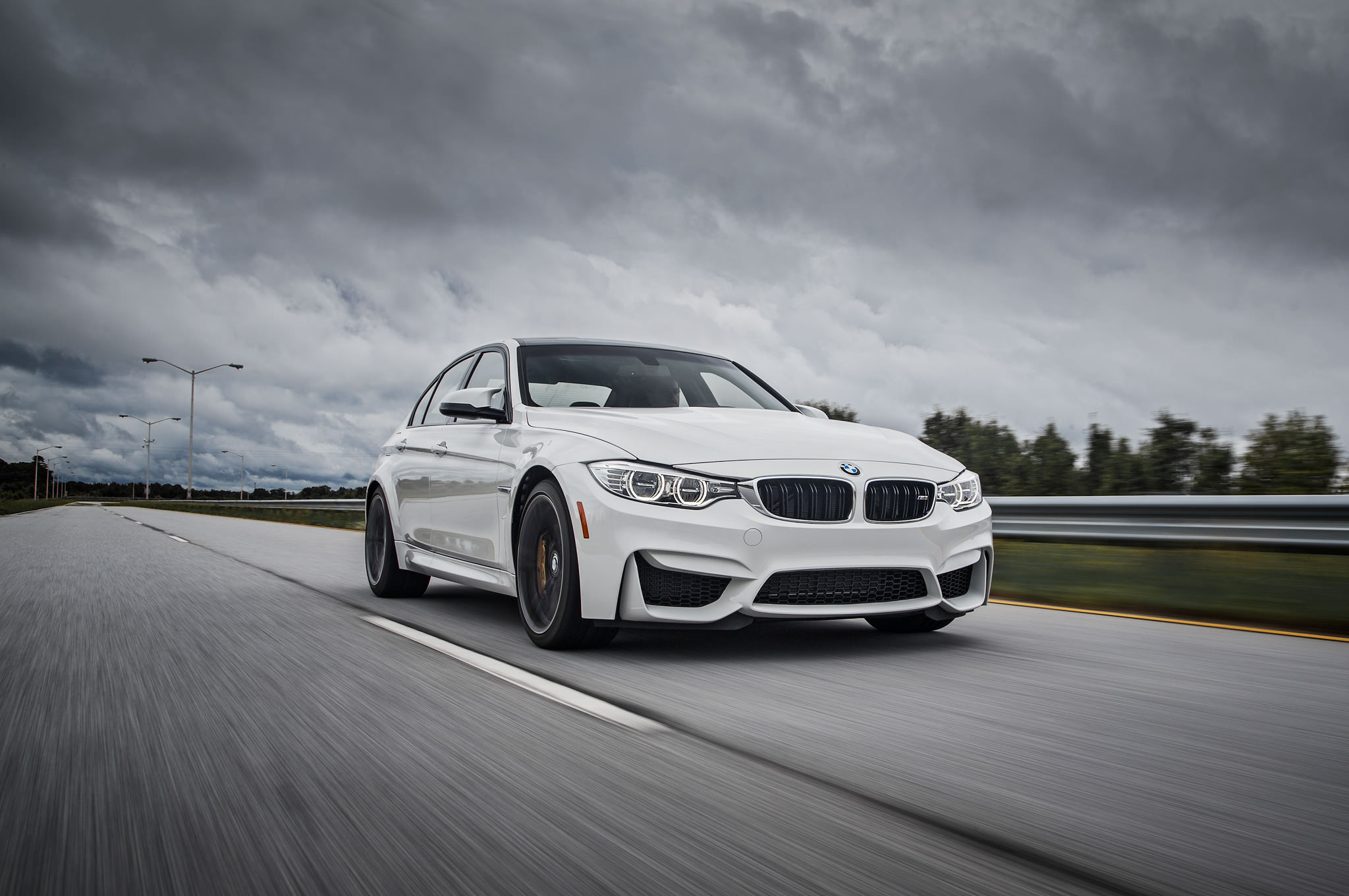 2015-bmw-m3-front-three-quarter-in-motion1